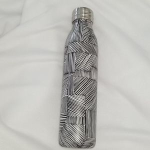 NWT Stainless Steel Water Bottle 20.6 fl.oz/610ml